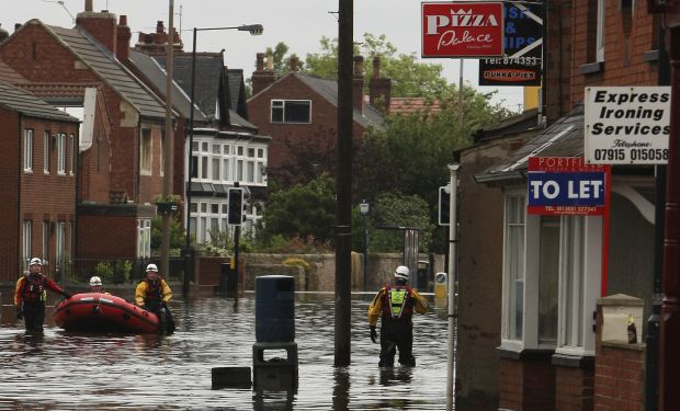 floods doncaster emergency workers